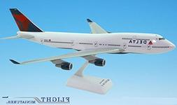 Delta  Boeing 747-400 Airplane Miniature Model Snap Fit 1:20