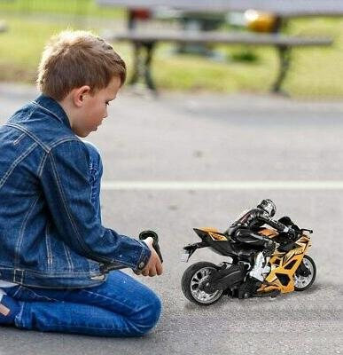 Click Play Speed Stunt Motorcycle Figure